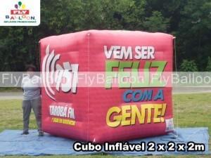 cubo inflavel promocional radio taroba
