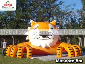 inflatable mascot in resende
