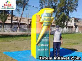 totem inflavel promocional personalizado unisolar brasil