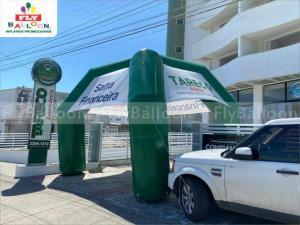 stand inflável promocional tareco automóveis