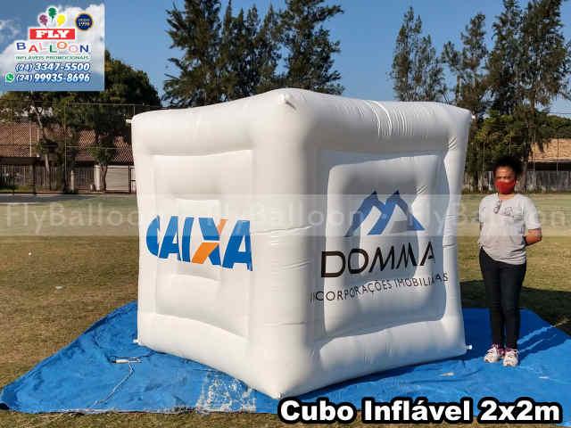 cubo inflável gigante promocional personalizado domma incorporações imobiliárias
