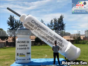 seringa inflável gigante promocional-vacinação covid 19 em volta redonda